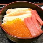 海鮮丼の浦島 - いくらかに中とろ丼