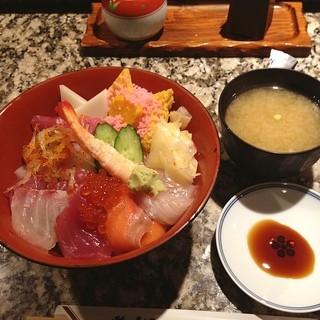 鮨 後楽 - ランチのちらし寿司