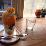 喫茶 ほんまち - 瀬戸内みかんのパフェ