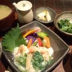 発酵薬膳&カフェ カワセミ - エビと青梗菜のクリーム煮 ランチセット 1000円税込