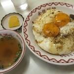 金龍別館 - 焼豚玉子飯