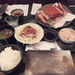 とんかつ マンジェ - 「ニンニクとんかつ(ラージサイズ)定食」(1,830円込)(2016年4月)