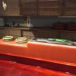 草喰 なかひがし - カウンター前に鎮座する                             炊飯専用のおくどはんと焼き場