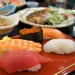 寿司割烹 寿司御殿 - 特選握り寿司(名物握り膳)