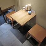 天ぷら八兵衛 - テーブル席♪