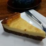 志乃ざき - セットのデザートはチーズケーキでした