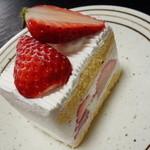 シェ・ヒロダン - いちごのショートケーキ(454円)