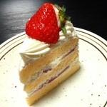 ボヌール - いちごのショートケーキ(400円)