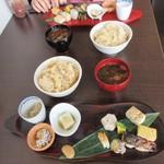日本料理 花坊-hanabo- - テーブルは狭い