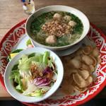CAFE HAI - 「肉団子のフォー・プレート」1000円
