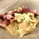 酒房まじょらむ - 『ホタルイカと山菜の煮物』様、季節を感じさせるお料理が初っ端から!