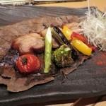 げんき - とろとろ豚角煮の朴葉味噌焼き
