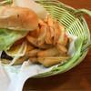 バンブーカフェ - 料理写真:バーガーとポテトとドリンクセット 780円は安い