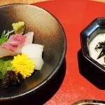 ちいさなかいせき かぶらや  - 前菜(わらびの山がけ)、刺身