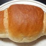トレビ - 塩ロールパン(100円)