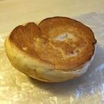 アンガス - くるみパン ひっくり返し返したところ