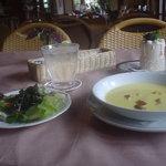 カントリーダイナー - ランチサラダとスープ