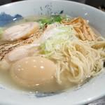 鶏そば 雫一 - 胚芽入りの自家製麺