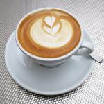 フレスコ コーヒー ロースターズ - カプチーノひとつめ