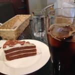 農園カフェよりみち - ケーキセット アイスコーヒーとティラミス(風)