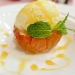 レストラン西櫻亭 - 焼きリンゴアイス添え