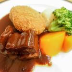 レストラン西櫻亭 - タンシチューとメンチカツ