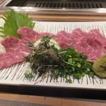 赤身焼肉USHIO - サガリ刺身