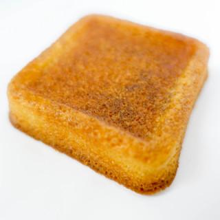バターバトラー - 料理写真:四角いしっとりしてるバトラー!