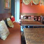 アグーラ - テーブル席