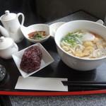 塔 - 料理写真:大和古代米とうどんのセット