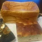 ディーン&デルーカ - 豆乳食パン&フォカッチャマニアック&イカスミピザ