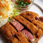 食堂ぬーじボンボンZ - レア牛カツ