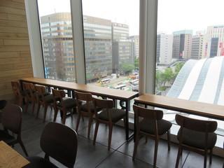 レック コーヒー 博多マルイ店 - 博多駅前を一望できる眺め1