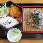 定食屋ジンベイ - ヒレカツ蕎麦ランチのアップ