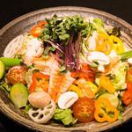 本ずわい蟹と小海老のサラダ