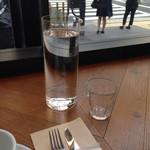 METoA Cafe & Kitchen - ウォーター