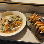 50215253 - 焼きラーメン\650&博多一口餃子¥400
