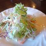 トゥリー - 新鮮サラダ