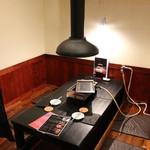 赤身肉専門 焼肉 牛進 - 掘りコタツの半個室となります。