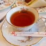 紅茶文庫 ブンコ ティー ルーム - 紅茶は注いでくださいました♪