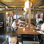 5022257 - カウンター、テーブル席、広い小上がりもあります。お客さんは、会社員の男性率が高い。