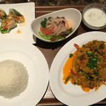 タイレストラン タニサラ - プーニンパッポンカリーセット 税込1580円