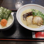 博多らーめん みつぼし  - ランチセット(800円)