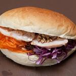 パン屋のオヤジ - キャロットラぺと紫キャベツマリネコッペ