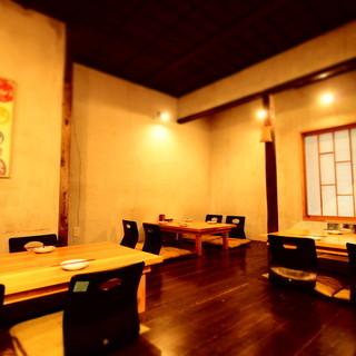 二階は小上がり席でご宴会・接待も◎10名〜貸切個室利用可能!