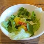 カフェ モーツァルト・フィガロ - セットのサラダ