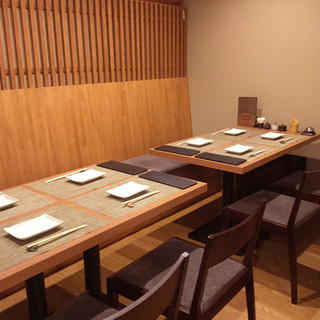 最大13名様で使えるテーブル個室あり!