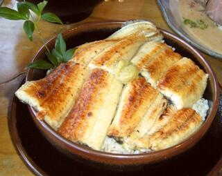 麦とろ童子 - 白焼きのうな丼~が「ど~ん!!」とボリューム満点!