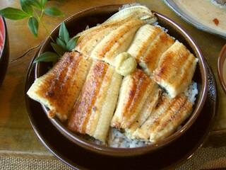麦とろ童子 - ふわふわの鰻「ウマ~」わさびで頂く伊豆流+山椒で2度美味しさUP!
