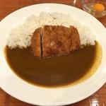 ガーネッシュ - 熟成三元豚ロースかつカレー(800円)&生卵(50円)